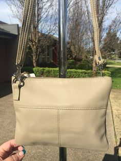 QueenBee DownUnder Genuine Leather Shiloh Crossbody Shoulder Bag