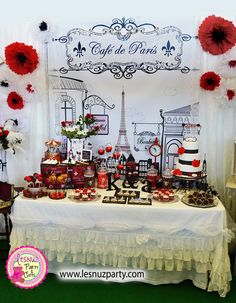 Mesa dulce temática París - Paris themed dessert table Lesnuzparty                                                                                                                                                                                 Más