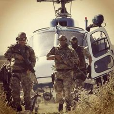 -South African Police Special Task Force , -In Action ! Self Defense Tips, Real Steel, Military Gear, Special Forces, Armed Forces, Chopper, Airsoft, Troops, Warriors