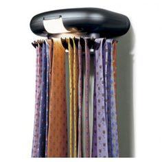 CORBATERO ELECTRICO  Corbatero eléctrico con luz para tener ordenadas hasta 30 Corbatas, un gadget y regalo práctico para hombres de negocios o quienes tienen muchas corbatas en casa.
