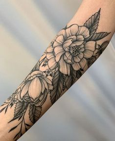 𝐟𝐨𝐥𝐥𝐨𝐰 𝐦𝐲 𝐩𝐢𝐧 @ 𝐣𝐚𝐢𝐝𝐢𝐛𝐨 … - tatoo feminina Life Tattoos, Body Art Tattoos, Small Tattoos, Cool Tattoos, Tatoos, Model Tattoo, Magnolia Tattoo, Peonies Tattoo, Peony Flower Tattoos