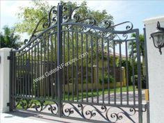 Driveway Outdoor Aluminum Wrought Iron Gate Wrought Iron Metal Gate