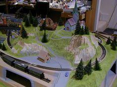 Jayson's 3' X 5' Outstanding N Scale Model Train Layout N Scale Train Layout, N Scale Layouts, Model Train Layouts, N Scale Model Trains, Scale Models, How Beautiful, Beautiful Homes, Helix Models, Model Railway Track Plans