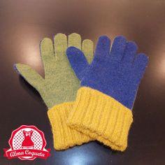 Nunca pasarás frío con este guante de lana en color azul, verde y amarillo #guantes #fashion #retro  #almacoqueta #leonesp #invierno #amarillo #verde #azul