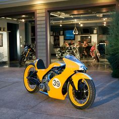 Motorcycle Dream Garages Book