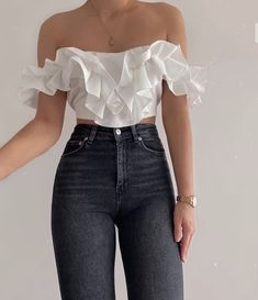 Fashion Outfits And Trend Looks For Street Style Inspiration Teen Fashion Outfits, Girly Outfits, Cute Casual Outfits, Look Fashion, Pretty Outfits, Stylish Outfits, Vintage Outfits, Casual Wear, Mens Fashion