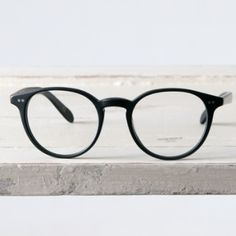 adc9a933c7f Oliver Peoples Oliver Peoples