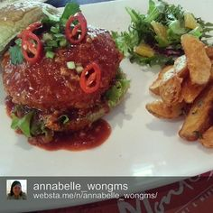I have been looking for the perfect picture to describe the food that we serve at the pop up at Monte's by LYN and I believe that I have found it. Chili Crab Burger served at Monte's - hearty, healthy-delicious and above all, cooked with absolute passion & love before serving them to our dear customers. We're far from perfect but we strive to be ♡ Honestly, we're a bit crazy when it comes to our food LOL  Thank you Annabelle for being such an awesome IG foodporn photographer!