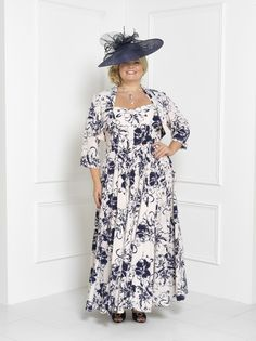 <p>Florentyna+Dawn+Fluid+Navy+and+Cream+Grace+Dress+with+Cap+Sleeve+and+Bolero+Jacket+(FD1724.<p>    <p>As+with+any+of+the+Florentyna+Dawn+label,+length,+sleeves+etc.,+can+be+determined+by+each+individual+customer.++Our+customers+have+a+choice+of+at+least+5+jacket+styles+with+each+outfit.<p>    <p>The+colour+palette+for+this+fabulous+style+is+simply+phenomenal.<p>  +  <p>We+also+provide+all+the+matching+hats,+fascinators,+shoes,+handbags+and+jewellery+if+required.<p…