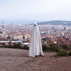 @_mr.boo Wanders and Frightens on the Streets of Spain
