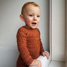 Baby Sweaters, Baby Knitting, Cardigans, Turtle Neck, Pattern, Design, Fashion, Moda, Tricot Baby