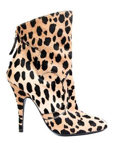 I hate trendy, but I am in LOVE with this boot...thanks, Balmain
