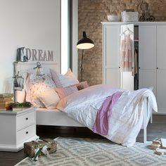 Jack & Alice bedroom in soft colours