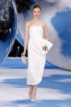 Silhouette n°2 / Automne-Hiver 2013-14 / Collection / Prêt-à-Porter / Femme / Mode & Accessoires / Dior Site Officiel