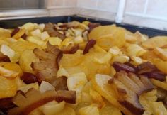 Potato Recipes, Snack Recipes, Eat Pray Love, Cake Cookies, Bacon, Goodies, Food And Drink, Chips, Potatoes
