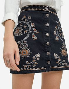 Embroidered skirt with buttons - Shirts | Stradivarius Hungary