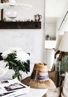 Hats Off to Life… casual styling // Kara Rosenlund Interior Design Vignette, Interior Styling, Cottage Living, Home And Living, Kara Rosenlund, Living Room Essentials, Coffee Table Styling, Modern Bohemian, Diy On A Budget