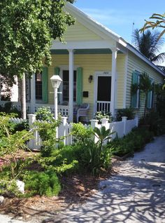 Key West Florida - Fantasyfest 2012. Such cute little Key West homes
