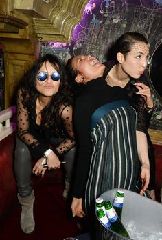 Michelle Rodriguez, Goga Ashkenazi, et Noomi Rapace à l'afterparty du défilé Mulberry.
