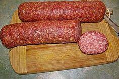 Cervelatwurst selber machen - New Site Homemade Summer Sausage, Homemade Sausage Recipes, Italian Sausage Recipes, German Meat, German Sausage, Best Sausage, Charcuterie, Bratwurst Sausage, Sausages
