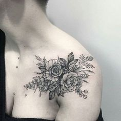 Humanity has used tattoos on its body since antiquity. Perhaps the longest story has tattoos that adorn people's shoulders at Flower Tattoo Shoulder, Shoulder Tattoos, Wrist Tattoos, Body Art Tattoos, New Tattoos, Tattoos For Guys, Sleeve Tattoos, Tattoos For Women, Cool Tattoos