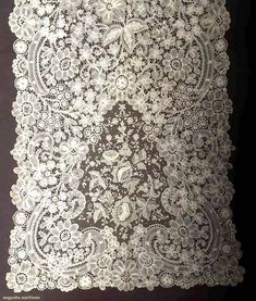 Brussels Mixed Lace Veil, Late 19th C, Augusta Auctions, April 9, 2014 - NYC, Lot 233