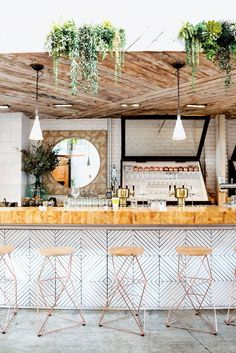 White and Wood Shop interior. - love the texture/tile under bar by bar stools (mh) Home Decor Accessories, Modern Interior, Rustic House, Modern Interior Design, Kitchen Interior, Interior Design Kitchen, Interior Design Styles, Home Decor, House Interior