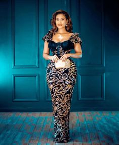 Instagram Long Skirts Images, Tube Gown, Elegant Dresses, Nice Dresses, Lace Gown Styles, Bold Fashion, Fashion Design, Latest Aso Ebi Styles, Formal Tops