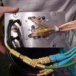 Kabel-Terminal für die Verbindungen: Lautsprecher 5.1, SPDIF/AC3, Audio-In