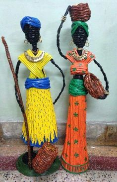 Afričanky African Dolls, African American Dolls, African Art, Art N Craft, Diy Art, Paper Dolls, Art Dolls, International Craft, Rolled Paper Art