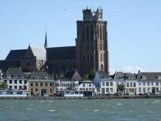 Grote kerk Dordrecht vanuit Zwijndrecht