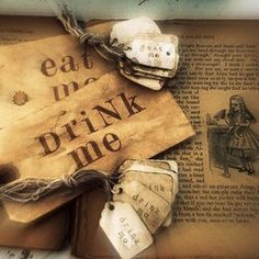 Alice In Wonderland <3 - Eat Me/Drink Me.