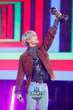 161017 #SHINee - Mnet Mcountdown Official Website Update #Minho