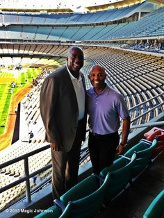 "Magic Johnson's photo: ""With the greatest relief pitcher in Major League Baseball, Mariano Rivera!"" 20130730"