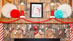 Don't let your busy schedule keep you from decorating for the holiday! Check out these easy, last minute #DIY Christmas decorations.