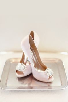 blush colored heels by Badgley Mischka  Photography by Simply Bloom Photography, LLC / simplybloomphotography.com