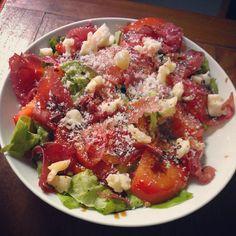 Dans la cuisine #blogville: insalate pomodoro, bresaola, parmigiano e balsamico - Instagram by @La Cuillère à goûter