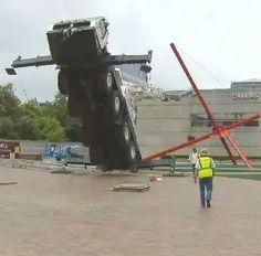Crane overturn in Dallas
