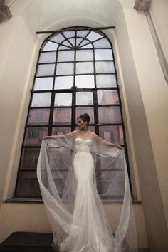 Inbal-Dror-Wedding-Dress-