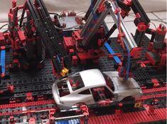 Construye tu coche de LEGO en esta linea de fabricación controlada con #Arduino #diy #makers #lego