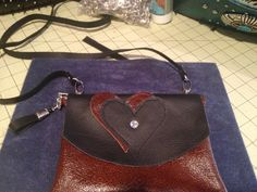 Super cute hip purse is made from kit by Sweet Baggs.
