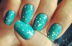 Uñas decoradas color turquesa, uñas pintadas color turquesa.  Join nails CLUB! #uñascolor #nailsCLUB #tonosdeuñas