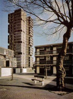 The Canada Estate in Canada Water, 1967 British Architecture, London Architecture, Architecture Design, Council Estate, Brutalist Design, Tower Block, Building Photography, London Look, Design Inspiration