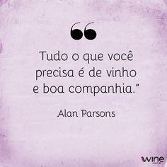 Tem coisa melhor que dividir um vinho com quem a gente ama? #wine #vinho #vinhotinto #vinhobranco