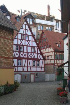 weinheim-2.jpg 576×864 pixels
