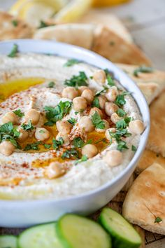 Creamy Coriander Hummus Easy To Make Appetizers, Appetizer Recipes, Homemade Hummus, Healthy Dips, Hummus Recipe, Canned Chickpeas, Fresh Garlic, Fun Cooking, Coriander
