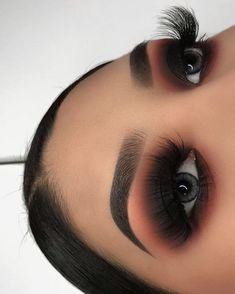 makeup goals Beautiful fall makeup looks, stunning and dramatic for different day and mood. Here are some ideas to get your fall makeup trends lovely Maquillaje Smokey Eyes, Smokey Eye Makeup, Eyeshadow Makeup, Eyeliner, Black Smokey Eye, Eyebrow Makeup, Black Eye Makeup, Eyeshadows, Dark Angel Makeup