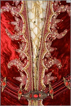 Detail: The Brothers Grimm, costume for the Evil Queen by  Gabriella Pescucci/ Tirelli Costumi