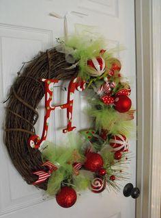 christmas wreath, holiday wreath, DIY wreath, homemade wreath, unique wreath, decor, DIY