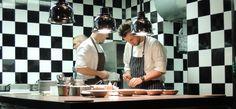 Prag: Das La Degustation ist der Ort, wo Sternekoch Oldřich Sahajdák einem traditionell-tschechische Kost zeitgenössisch erleben lässt *** Tschechische Küche kann mehr als nur  Gulasch und Knödel
